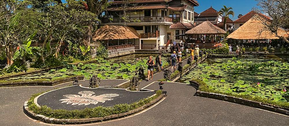Taman Saraswati tempel bali